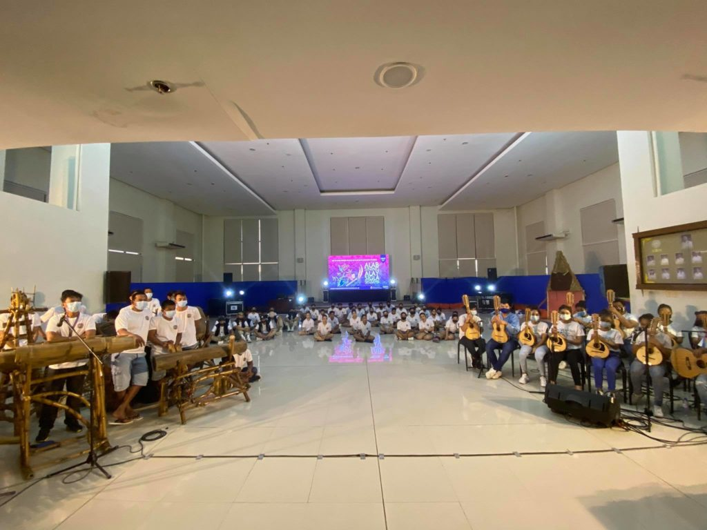 Various local artists of Himamaylan City gather at the Sangguniang Panlungsod Hall for the rehearsal for the Arts Month celebration today, 530pm..